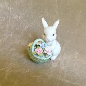 子うさぎと花の置き物