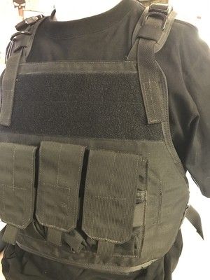 【SALE‼️】EAGLE INDUSTRIES プレートキャリア 黒 SM