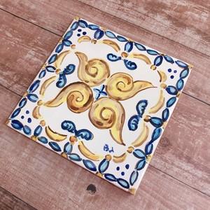 マヨリカ焼き タイル 10cm×10cm 渦巻き ブルー