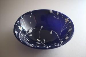 松下高文|見上げる景色 ガラス鉢径165 紺白花