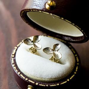 martine 紫陽花・アジサイのゴールドピアス ドライフラワー お花モチーフの贅沢で大人なゴールド紫陽花ピアス。(K10ゴールド)