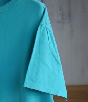 VINTAGE 80s T-shirt -NON FICTION-