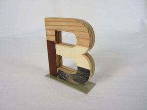 切り文字 B (木のパッチワーク)