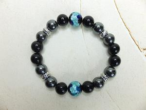 暗闇で光るホタルガラス&オニキス&ヘマタイトブレスレット bh-0030-1
