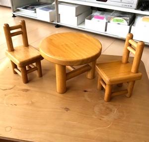 3本脚の丸テーブルとイス(生協コラボ商品・ラバーウッド集成材)保管品