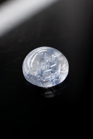 Dumortierite in quartz - 054