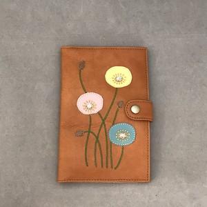 おくすり手帳ケース(ライトブラウン、ポピー柄)No.03007-02