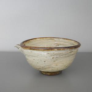 平沢崇義|刷毛目片口 Takayoshi Hirasawa white slip lipped bowl