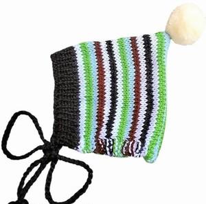 (予約オーダー:発送10月中旬)6か月~4歳 手編みボンネット帽 カラフルグリーン (whiteボンボン)