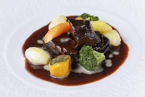 【じっくりコトコト】黒毛和牛の赤ワイン煮込み(2人前) ビストロ料理の定番