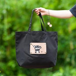 黒いチワワのエコバッグ 犬がモチーフの洗えて折り畳めるショッピングバッグ