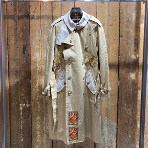 Children of the discordance / VINTAGE TRENCH COAT EMBROIDERY B