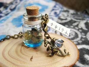 黄銅鉱と「竜の卵」瓶詰め標本★ドラゴン付バッグチャーム