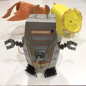 モーターと紙コップでロボットを作ろう!