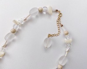 white mix necklace 04