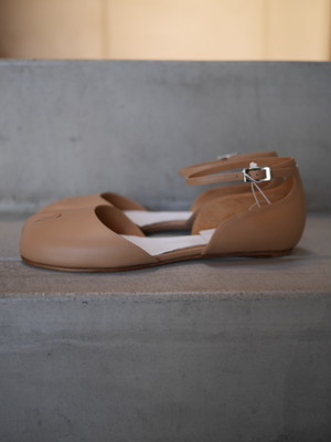 Maison Margiela  /  Ankle strap shoes