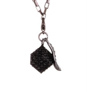 スワロキューブネックレス(Black)