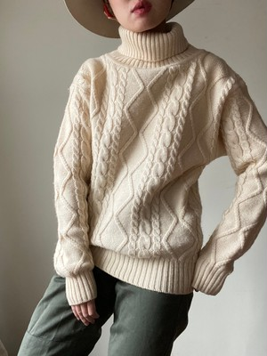 Cable High Neck Sweater