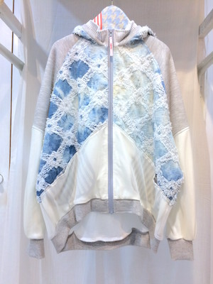 NIGATSU 刺繍MIXパーカー Whiteblue