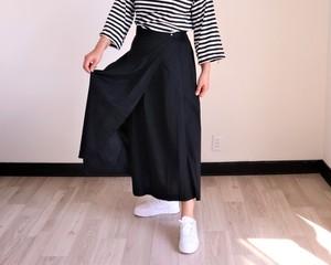 ブラックコットンのラップスカート