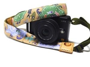 カメラストラップ 3㎝巾 ミラーレス&一眼レフカメラ用 片面 紅型デザイン 気仙沼の海の生きものたち ベージュ