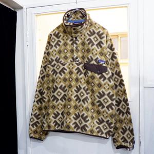 アメリカ古着 patagonia シンチラ 総柄フリースジャケット