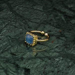 SINGLE SQUARE STONE RING GOLD 017