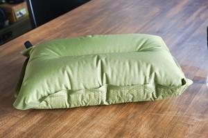 ISUKA(イスカ)Non-Slip Pillow(ノンスリップピロー)/カラー: オリーブ/
