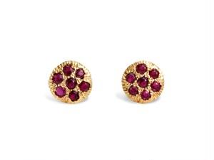 18K Yellow Gold pierced earring + Ruby