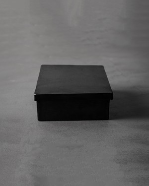 black iron box - square medium