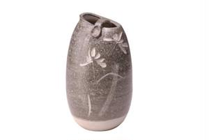 信楽焼墨色花彫 花瓶(木箱入) G5-6001