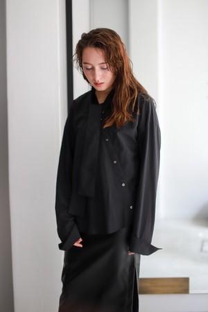 ROOM211 / Bowtie shirt