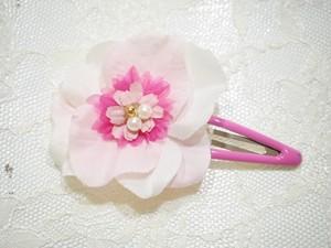 cute pink snap hair clip