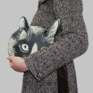猫の頭のクラッチバッグ