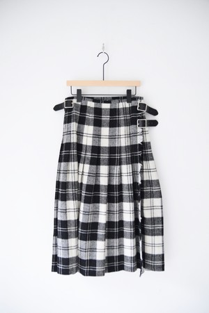 【O'NEIL OF DUBLIN】LOW WAIST PLEATS SKIRT