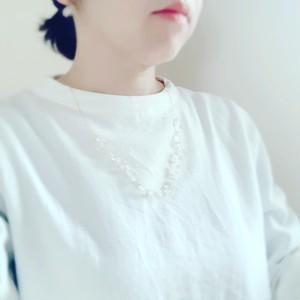 タティングミドルネックレス(白)