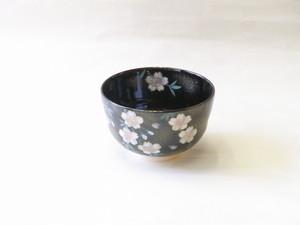 清水焼 若葉 作 黒釉 桜 抹茶碗