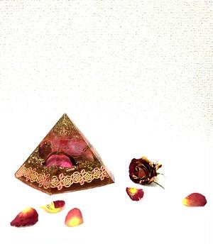 オルゴナイト 五角錐 ピンク (ポプリ入り)