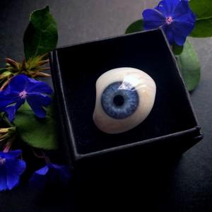 クレーターレイクの義眼
