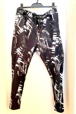 Monotone Geometric Pattern Jersey Pants Black