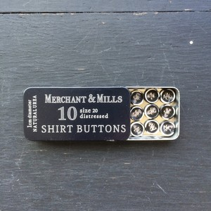 Merchant&Mills / shirt buttons / dark brown