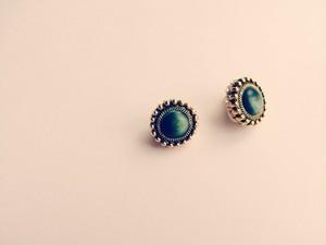 antique button × イヤリング
