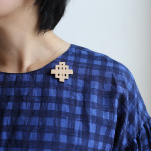 Waffle brooch small / ワッフルブローチ⼩