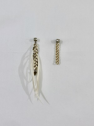 seven feathers and chain earrings