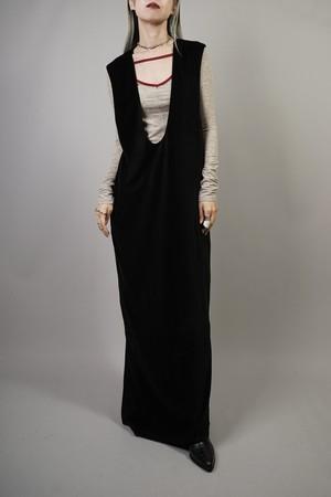 VELOURS U-NECK DRESS (BLACK) 2109-08-HK84