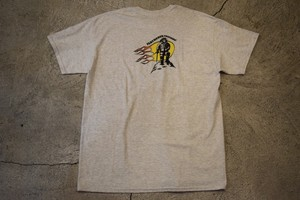 USED feathered friends T-shirt L T0182