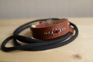 中型犬用のワインレッド(赤)の牛革の首輪と、登山用ロープ(ザイル)リードのセット