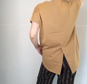 CLOCHE/バックスリットTシャツ