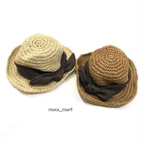麻リボンの麦わら帽子