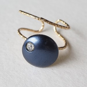 313.Vintage button ring